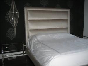 Tête de lit tube horizontaux